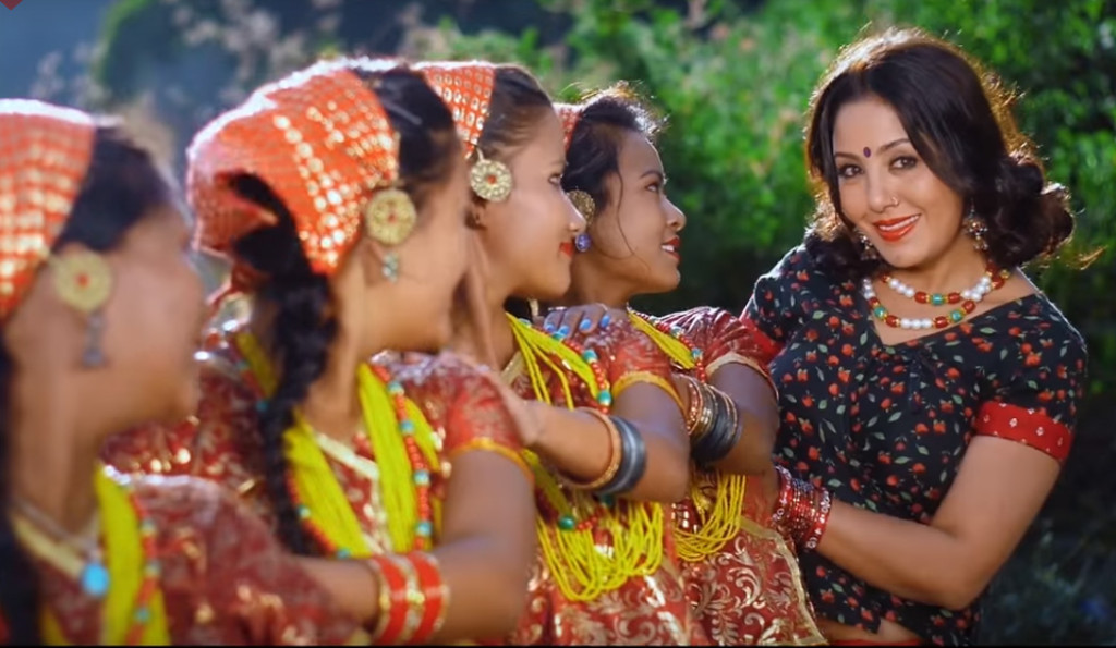 Karishma-manandhar-,streetnepal